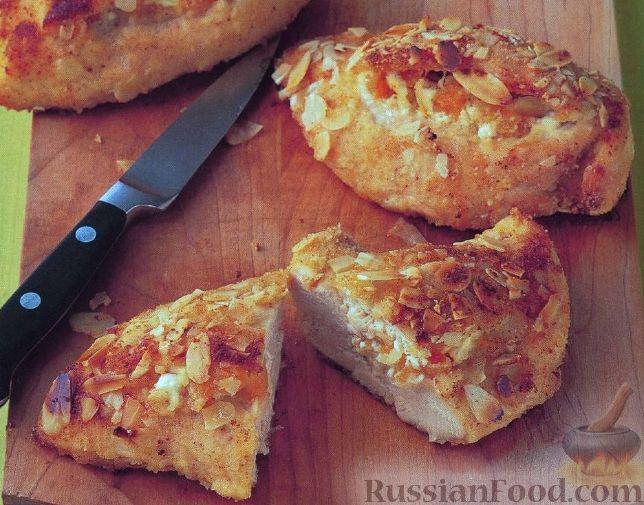 Рецепт Миндально-абрикосовая курица с мятным соусом песто