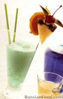 Фото к рецепту: Голубой Гавайский Коктейль (Blue Hawaiian)