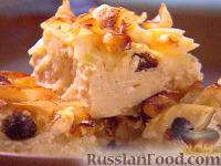 Фото к рецепту: Кугл с яблоками, изюмом и корицей