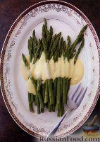Фото к рецепту: Спаржа под голландским соусом
