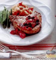 Фото к рецепту: Свинина под соусом из ревеня и вишни