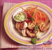 Фото к рецепту: Жареные креветки и соус карри с орешками кешью