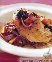 Фото к рецепту: Жареные куриные грудки с морковью и луком