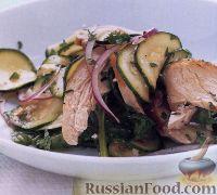 Фото к рецепту: Салат из курицы и цуккини