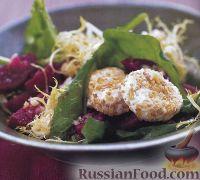 Фото к рецепту: Салат из свеклы, руколы и козьего сыра