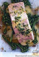 Фото к рецепту: Лосось с картофелем и брокколини