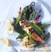 Фото к рецепту: Жареные креветки с горошком и мятой