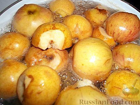 Фото приготовления рецепта: Яблочно-грушевое повидло - шаг №3