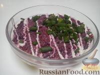 """Фото к рецепту: Сельдь под """"шубой"""" на новый лад"""