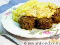 Фото к рецепту: Тефтели со сливочно-луковым соусом