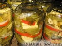 Фото к рецепту: Салат из зеленых помидоров и кабачков