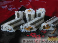 Фото к рецепту: Полосатые роллы с мидиями