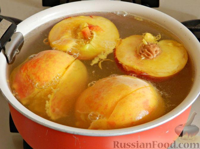 Фото приготовления рецепта: Торт-суфле с персиками - шаг №3