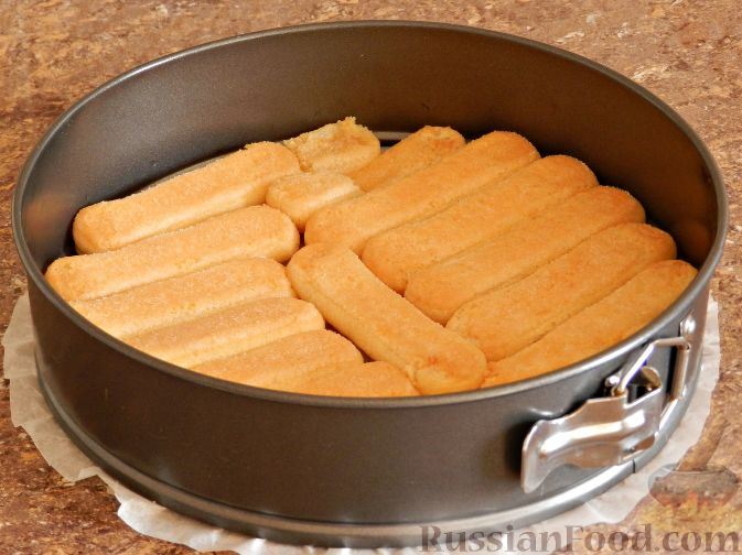 Фото приготовления рецепта: Торт-суфле с персиками - шаг №11