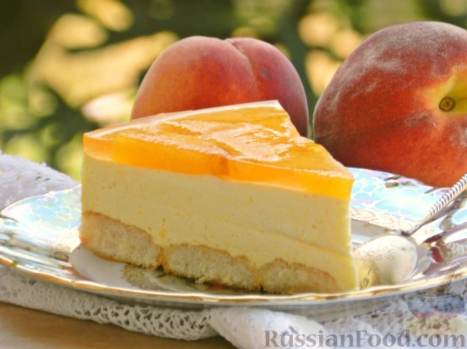 Фото приготовления рецепта: Торт-суфле с персиками - шаг №19