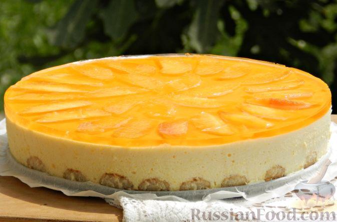 Фото к рецепту: Торт-суфле с персиками