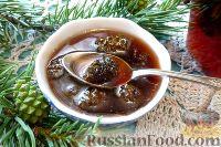 Фото к рецепту: Варенье из сосновых шишек