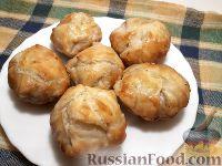 Фото к рецепту: Слоеные мини-пироги с мясом