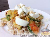 Фото к рецепту: Овсяные хлопья с цуккини и яйцом