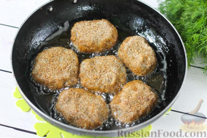 Фото приготовления рецепта: Рыбный суп с кускусом - шаг №2