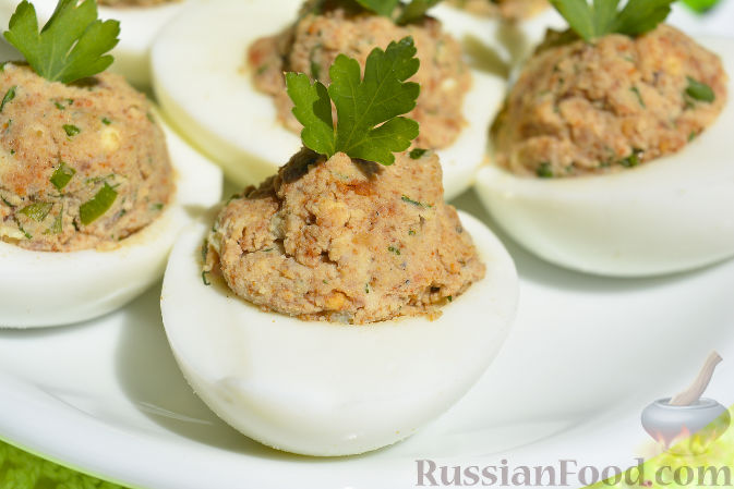 Фото приготовления рецепта: Куриные тефтели, запечённые с гречкой - шаг №10