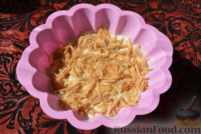 Фото приготовления рецепта: Маффины с черноплодной рябиной - шаг №6