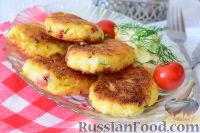 Фото к рецепту: Капустники с копчёной колбасой и сыром