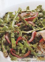 Фото к рецепту: Салат из спаржи с рукколой