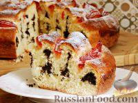 Фото к рецепту: Пирог с маком и сливами