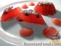 Фото к рецепту: Желе из арбуза