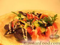 Фото к рецепту: Простой овощной салат с изюмом