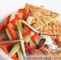 Фото к рецепту: Пита с салатом из свежих овощей