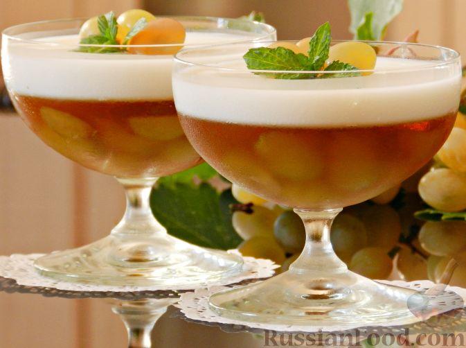 Фото приготовления рецепта: Виноградно-йогуртовое желе - шаг №11