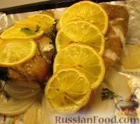 Фото к рецепту: Запеченный красный окунь