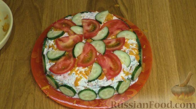 Фото приготовления рецепта: Кабачковый торт с творогом и помидорами - шаг №8