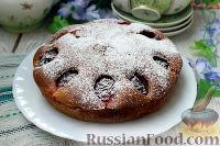 Фото к рецепту: Сливовый пирог на сметанном майонезе