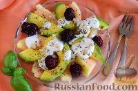 Фото к рецепту: Десертный салат из дыни и авокадо