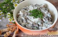 Фото к рецепту: Жареные опята в сметанном соусе