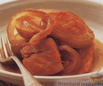 Рецепт Картофель, тушенный с лососем и луком