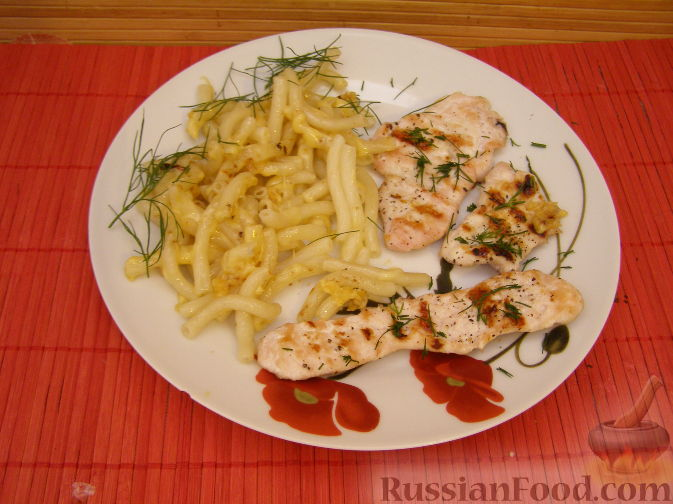 Рецепт Куриное филе на гриле с макаронами (к ужину)