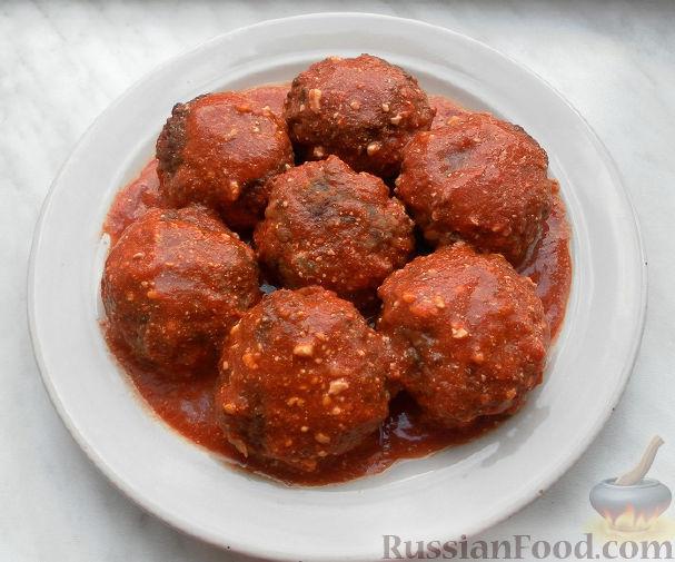 Рецепт Мясные тефтели с рисом и овощами в томатном соусе