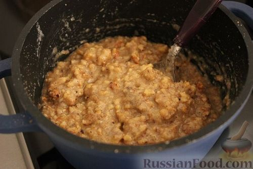 """Фото приготовления рецепта: Новогодний салат """"Игрушка"""" (с красной рыбой) - шаг №8"""