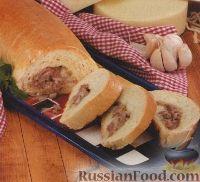 Фото к рецепту: Рулет с мясом и сыром