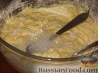 Фото приготовления рецепта: Быстрый мясной пирог - шаг №6