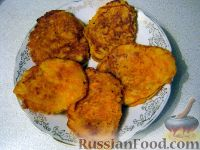 Фото приготовления рецепта: Морковные котлеты - шаг №5