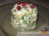 Фото к рецепту: Салат из курицы и огурцов