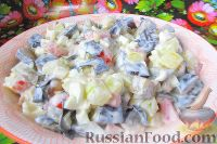 Фото к рецепту: Салат с баклажанами, помидорами и яйцами