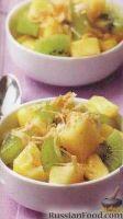 Фото к рецепту: Салат из ананаса и киви