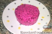 Фото к рецепту: Салат из свеклы с черносливом