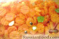Фото к рецепту: Маринованная морковь (быстрого приготовления)